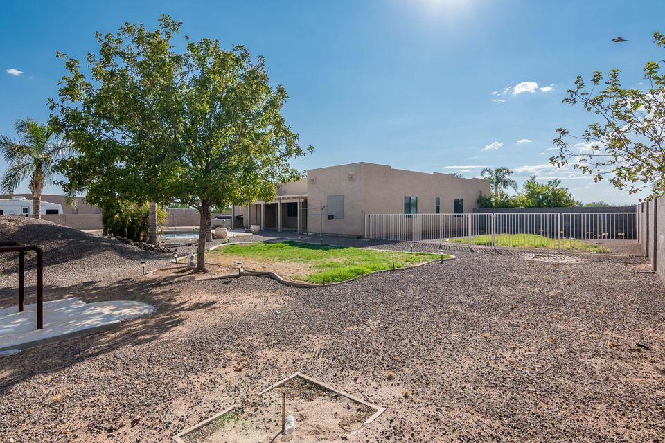 MLS 5661339 28917 N REDBLOOM Court, Wittmann, AZ Wittmann AZ Private Pool