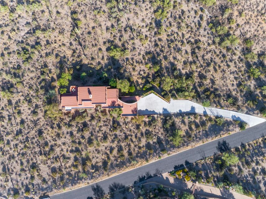 MLS 5662020 39030 N SILVER SADDLE Drive, Carefree, AZ Carefree Horse Property for Sale