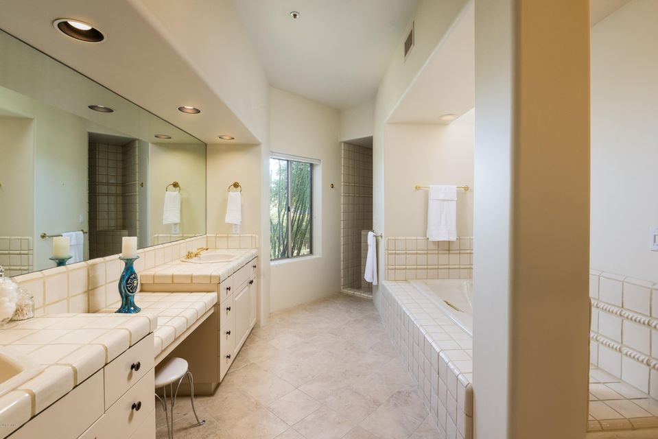 10776 E TAMARISK Way Photo 22