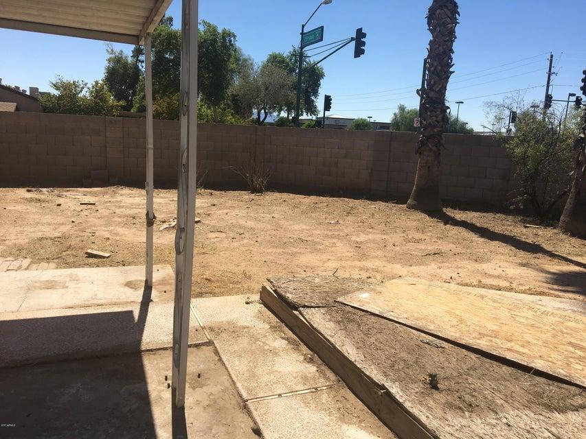 MLS 5662396 2002 N 74TH Lane, Phoenix, AZ Phoenix AZ Private Pool