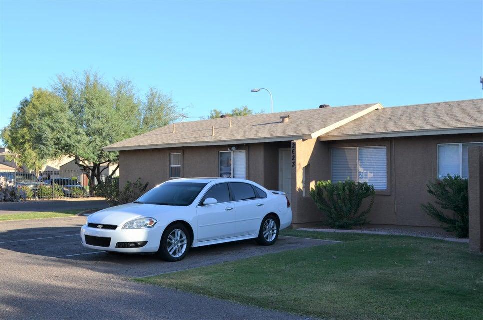 Photo of 2623 E OAKLEAF Drive, Tempe, AZ 85281