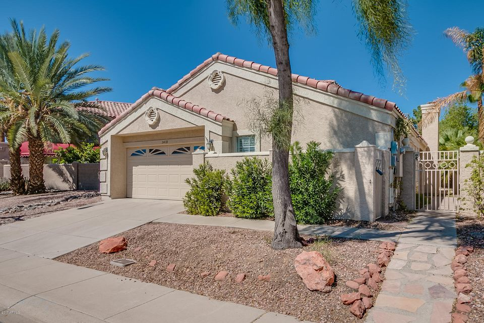 Photo of 3418 E WOODLAND Drive, Phoenix, AZ 85048