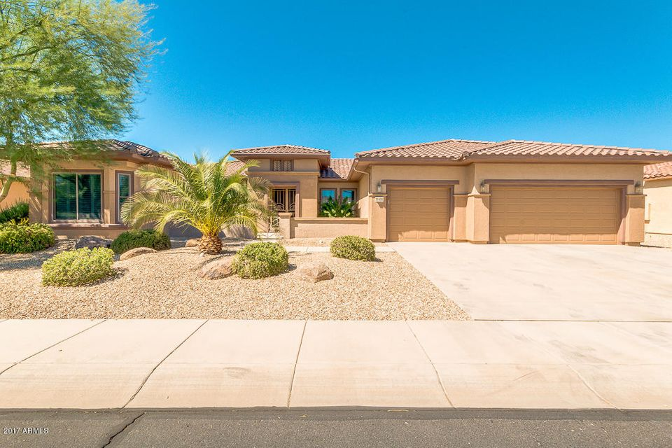 Photo of 21406 N BLACK BEAR LODGE Drive, Surprise, AZ 85387