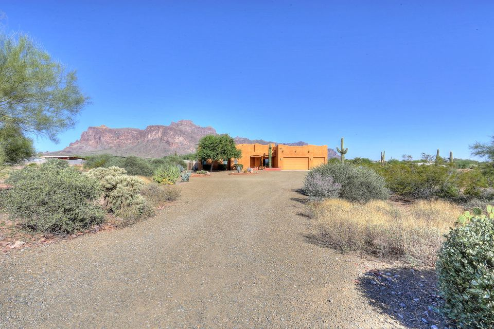 MLS 5664491 1025 N Boyd Road, Apache Junction, AZ 85119 Apache Junction AZ Luxury