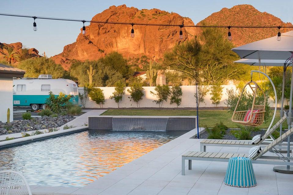 4425 S VERMONT Avenue,Phoenix,Arizona 85018,5 Bedrooms Bedrooms,4 BathroomsBathrooms,Residential,VERMONT,5666991