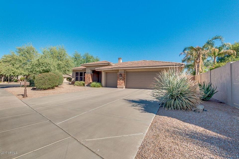 Photo of 104 E LOUIS Way, Tempe, AZ 85284