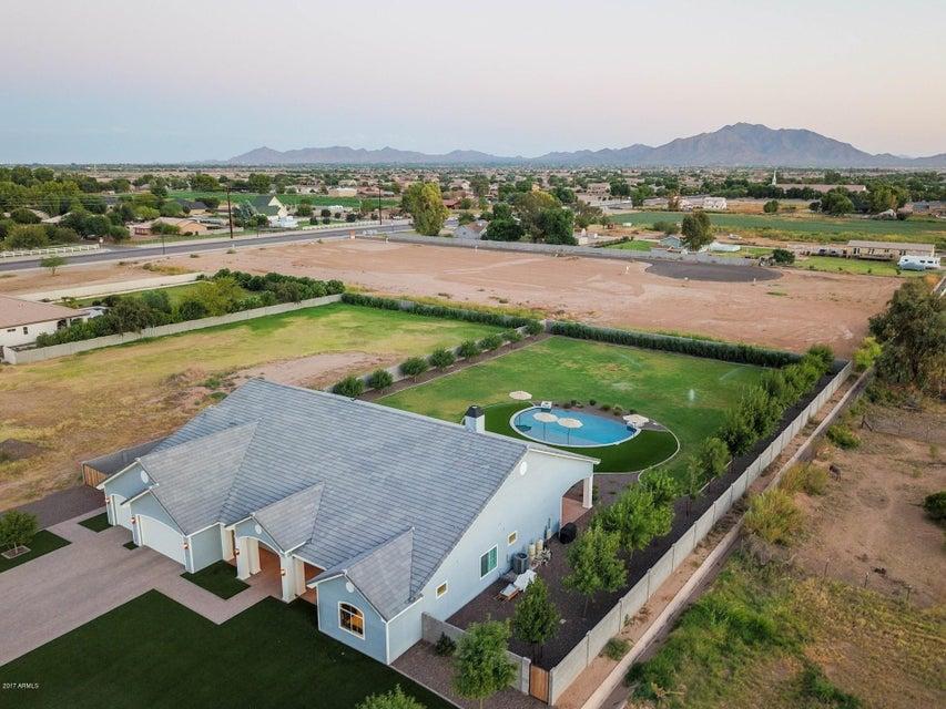 MLS 5670300 2311 E WALNUT Road, Gilbert, AZ Gilbert AZ Newly Built