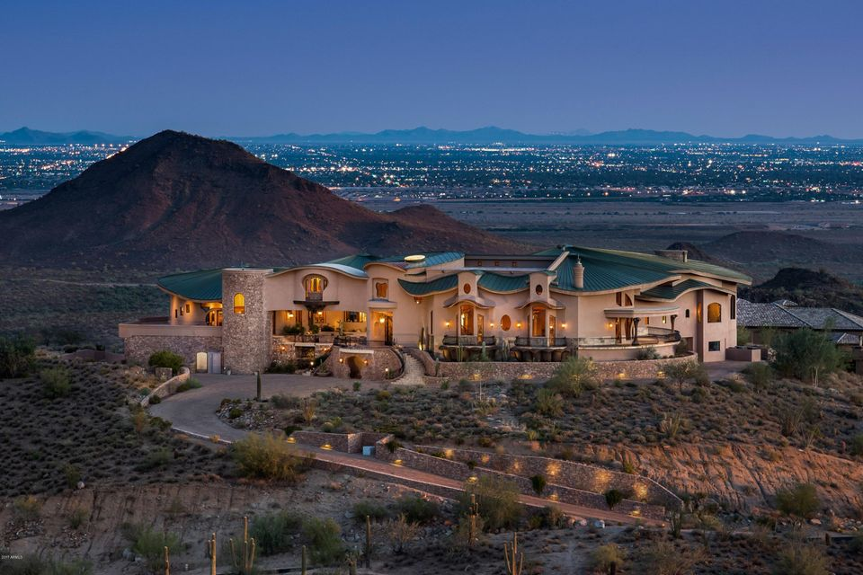 Photo of home for sale at 11225 Crestview Drive N, Fountain Hills AZ