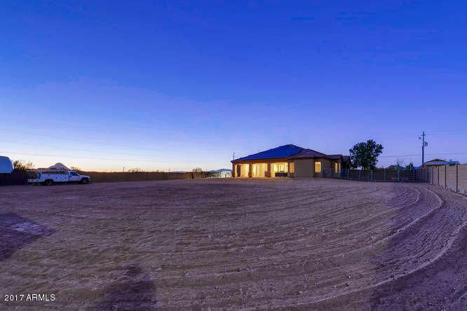 MLS 5669306 101 E SABROSA Drive, New River, AZ New River AZ Luxury