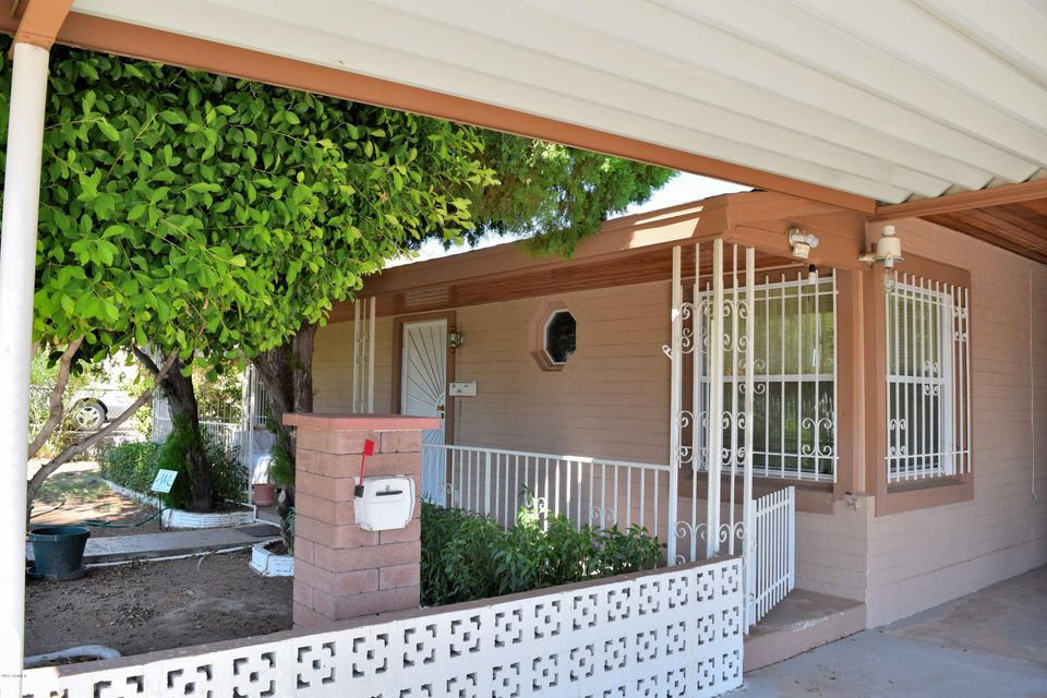 Photo of home for sale at 9625 2ND Street N, Phoenix AZ