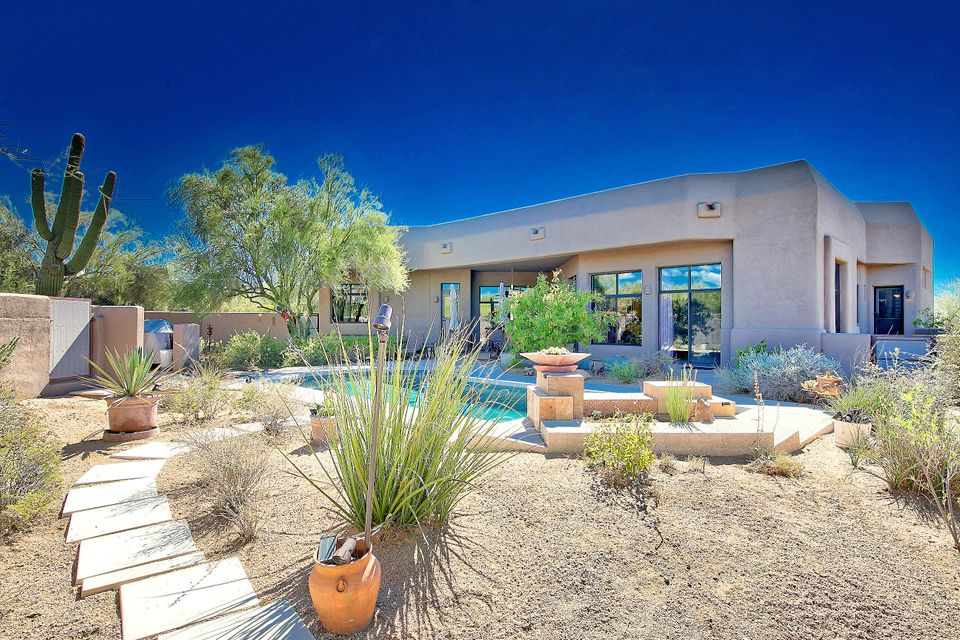Photo of home for sale at 8118 SADDLE HORN Road E, Scottsdale AZ