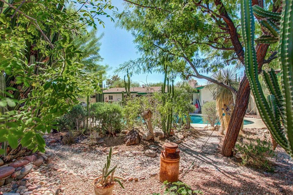 2218 E CACTUS WREN Drive Phoenix, AZ 85020 - MLS #: 5672457