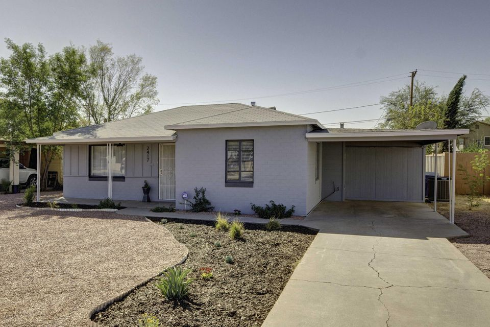 Photo of home for sale at 2417 EARLL Drive E, Phoenix AZ