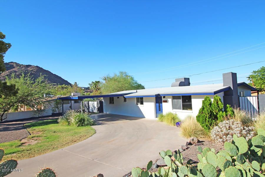 Photo of home for sale at 9426 17TH Street N, Phoenix AZ