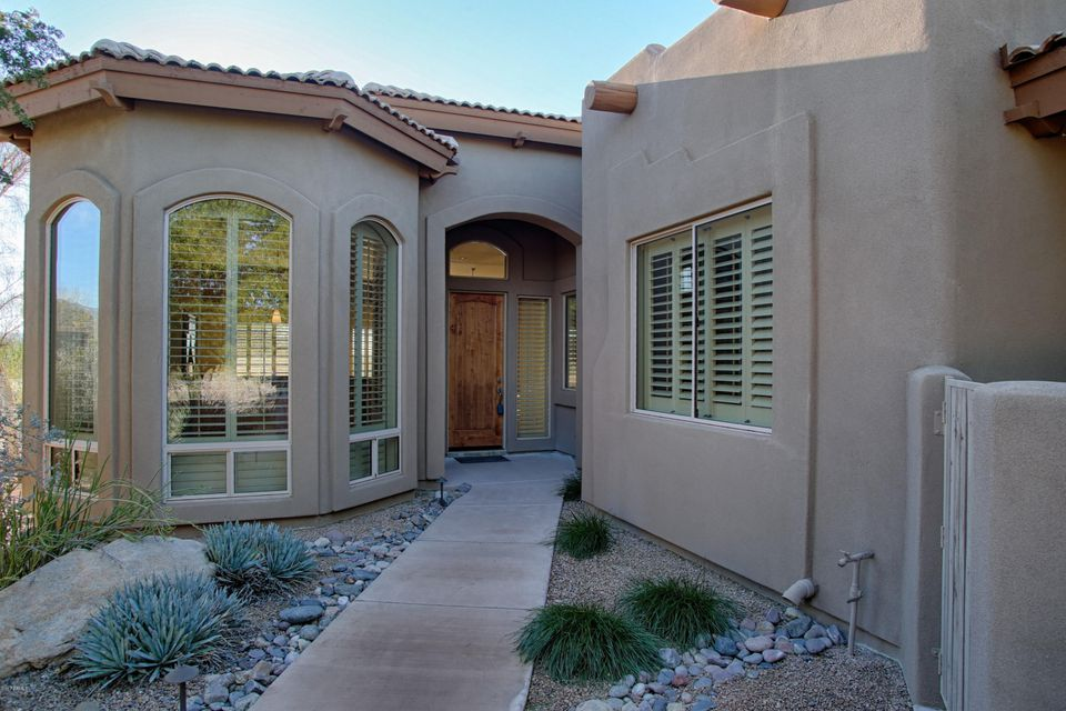 Photo of home for sale at 18921 AMETHYST Drive E, Rio Verde AZ
