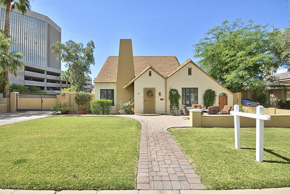 Photo of home for sale at 39 Windsor Avenue W, Phoenix AZ