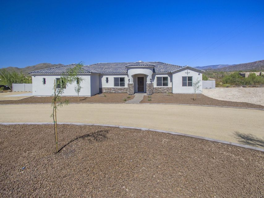 Photo of home for sale at 10 Ridgecrest Road W, Phoenix AZ
