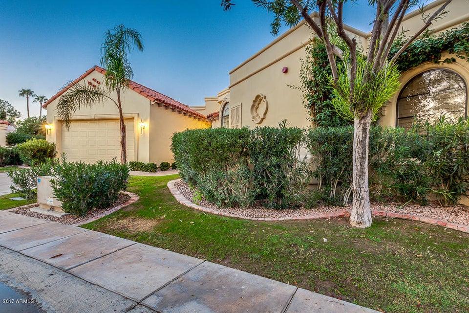 Photo of 10050 E MOUNTAINVIEW LAKE Drive #55, Scottsdale, AZ 85258