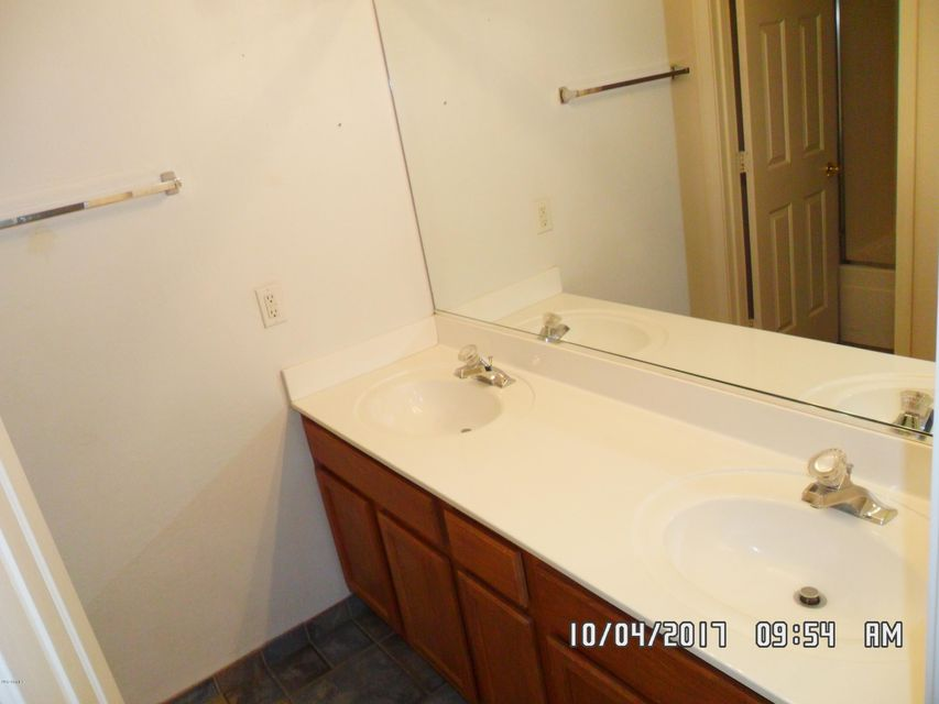 MLS 5673150 1016 S ROANOKE Street, Gilbert, AZ Gilbert AZ Greenfield Lakes