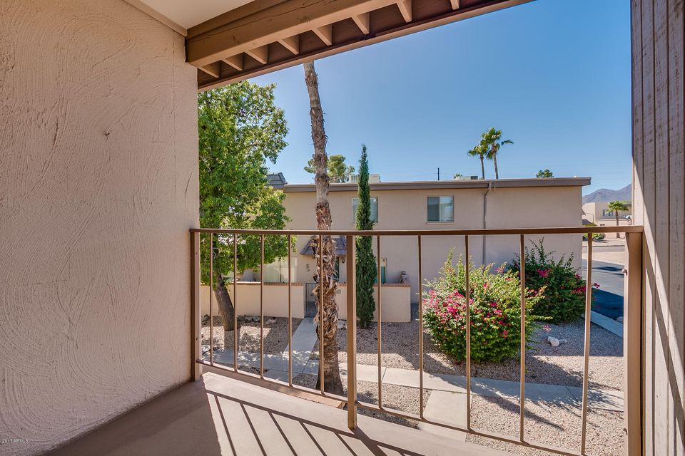 MLS 5674165 17010 E CALLE DEL ORO -- Unit D, Fountain Hills, AZ Fountain Hills AZ Scenic