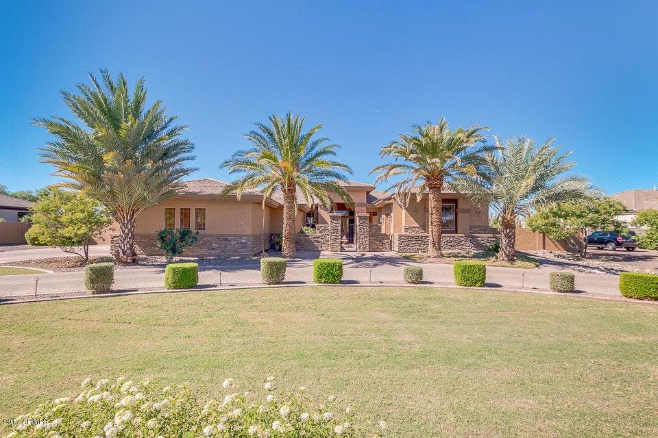 Photo of 6566 S OAKWOOD Way, Gilbert, AZ 85298