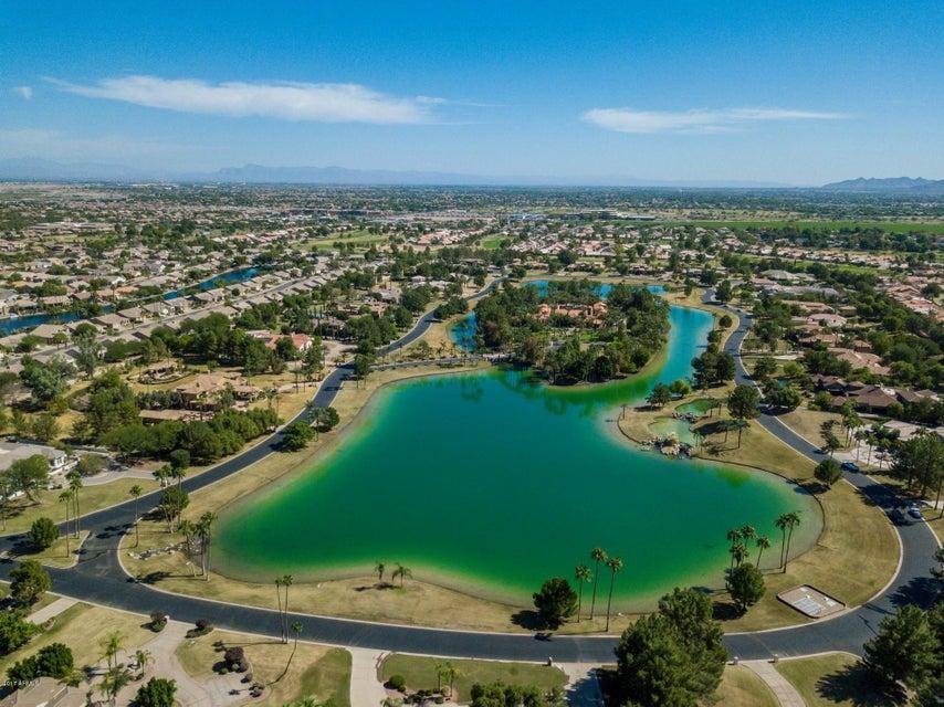 28 E OAKWOOD HILLS Drive Chandler, AZ 85248 - MLS #: 5674478