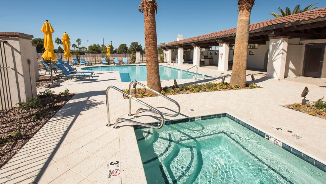 MLS 5674356 2477 W MARKET Place Unit 59, Chandler, AZ Condos
