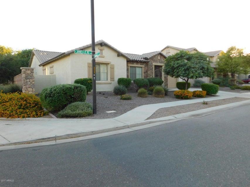 Photo of 2741 E JANELLE Way, Gilbert, AZ 85298