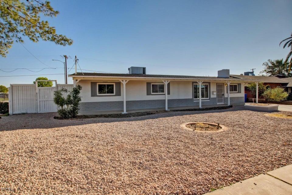 Photo of 701 W IVANHOE Street, Chandler, AZ 85225