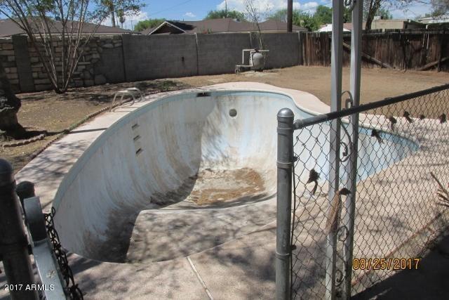 MLS 5675980 10626 N 17TH Avenue, Phoenix, AZ Phoenix AZ Private Pool