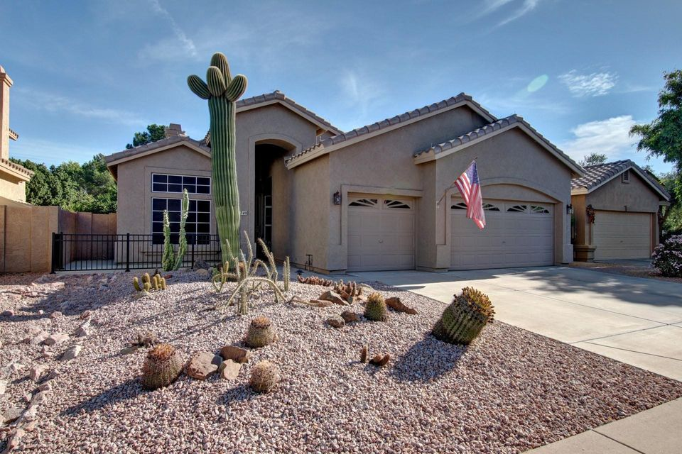 Photo of 2740 W SHANNON Court, Chandler, AZ 85224
