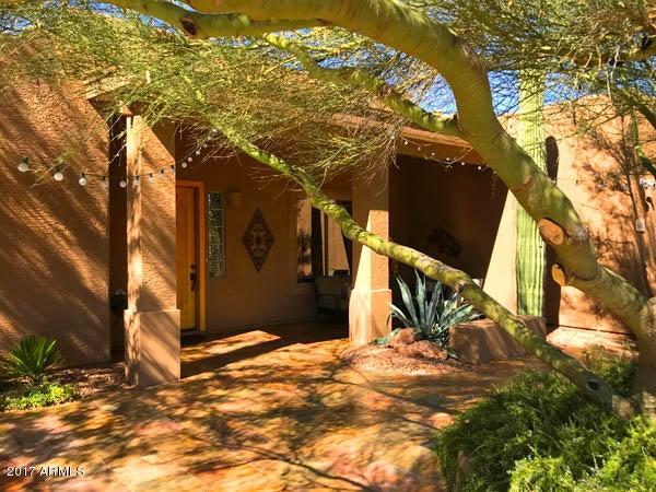 Photo of 6640 E PEAK VIEW Road, Cave Creek, AZ 85331