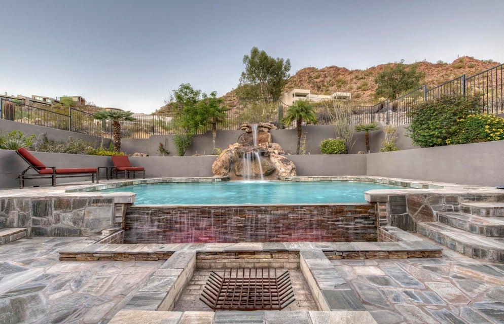 6739 N PALM CANYON Drive, Phoenix AZ 85018