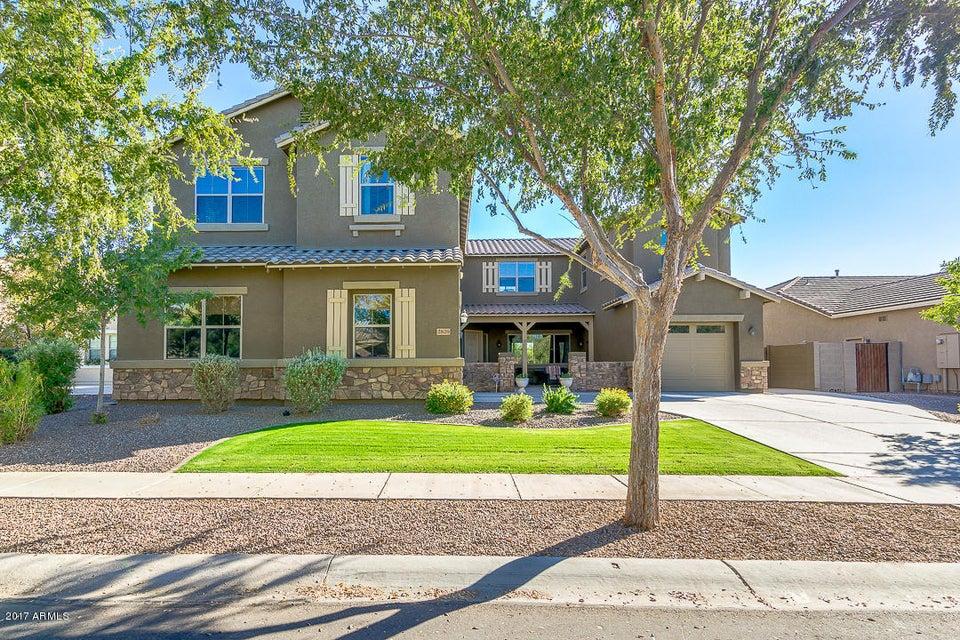 Photo of 2829 E FLOWER Street, Gilbert, AZ 85298