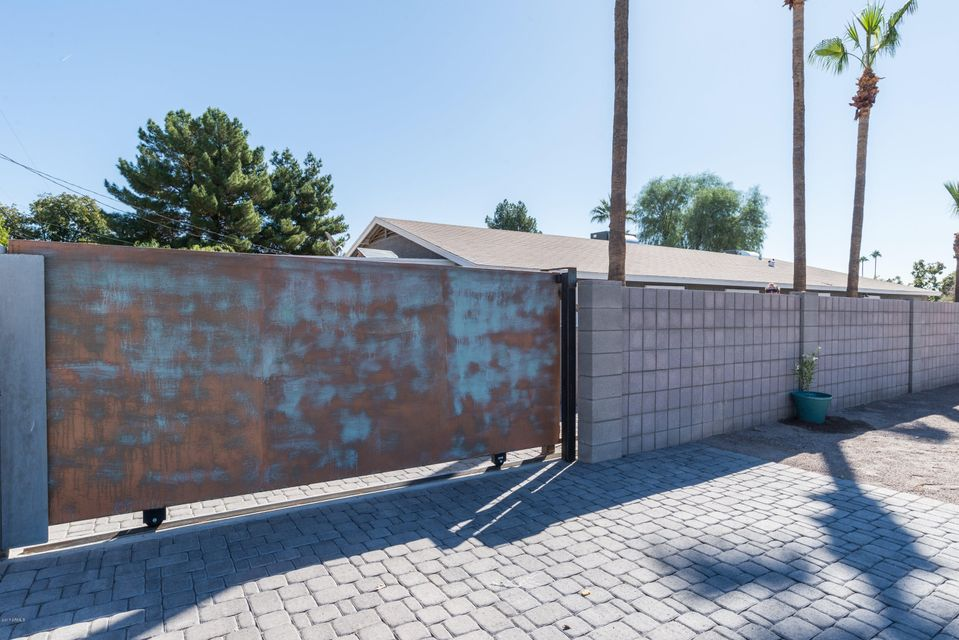 1202 E OREGON Avenue Phoenix, AZ 85014 - MLS #: 5679449