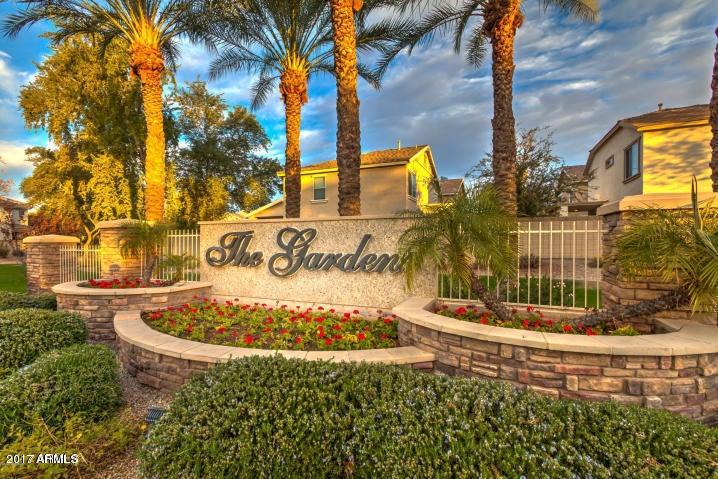 Photo of 1348 S SABINO Drive, Gilbert, AZ 85296