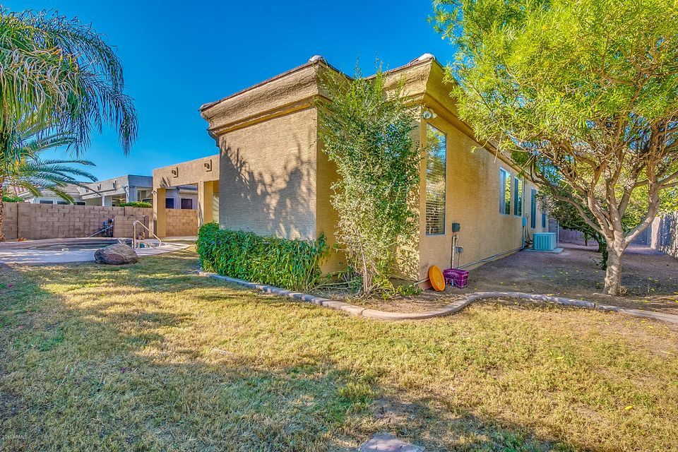 MLS 5682025 701 W CHERRYWOOD Drive, Chandler, AZ 85248 Chandler AZ Oakwood Lakes