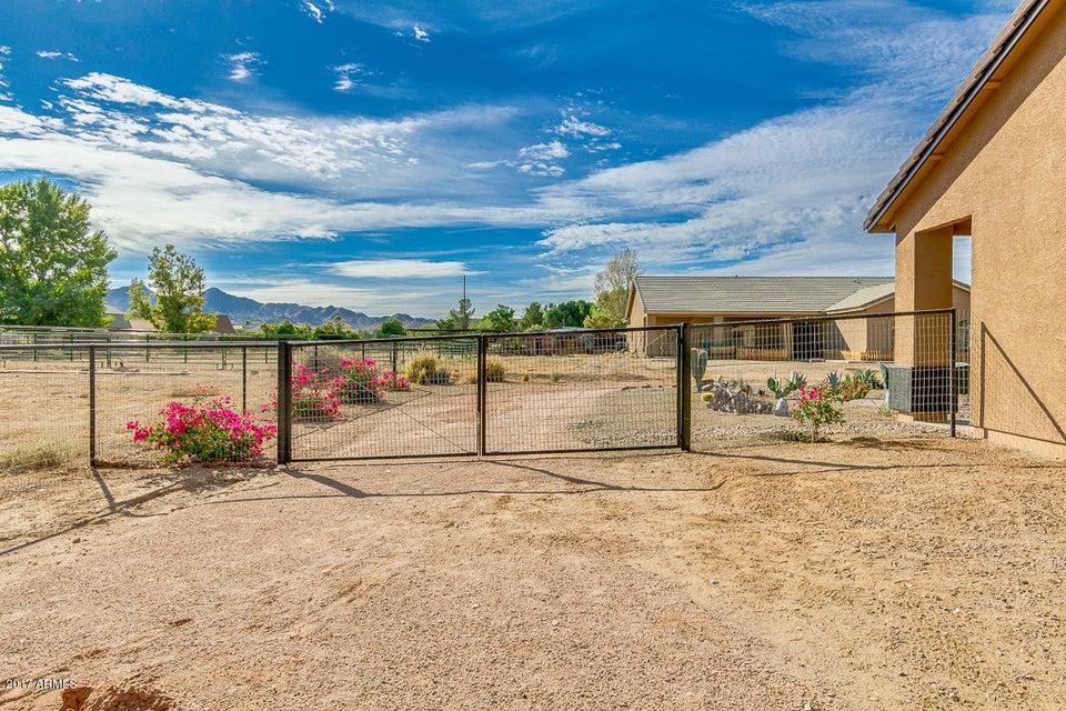 MLS 5682120 19116 E STARFLOWER Drive Unit 4, Queen Creek, AZ Queen Creek AZ Equestrian