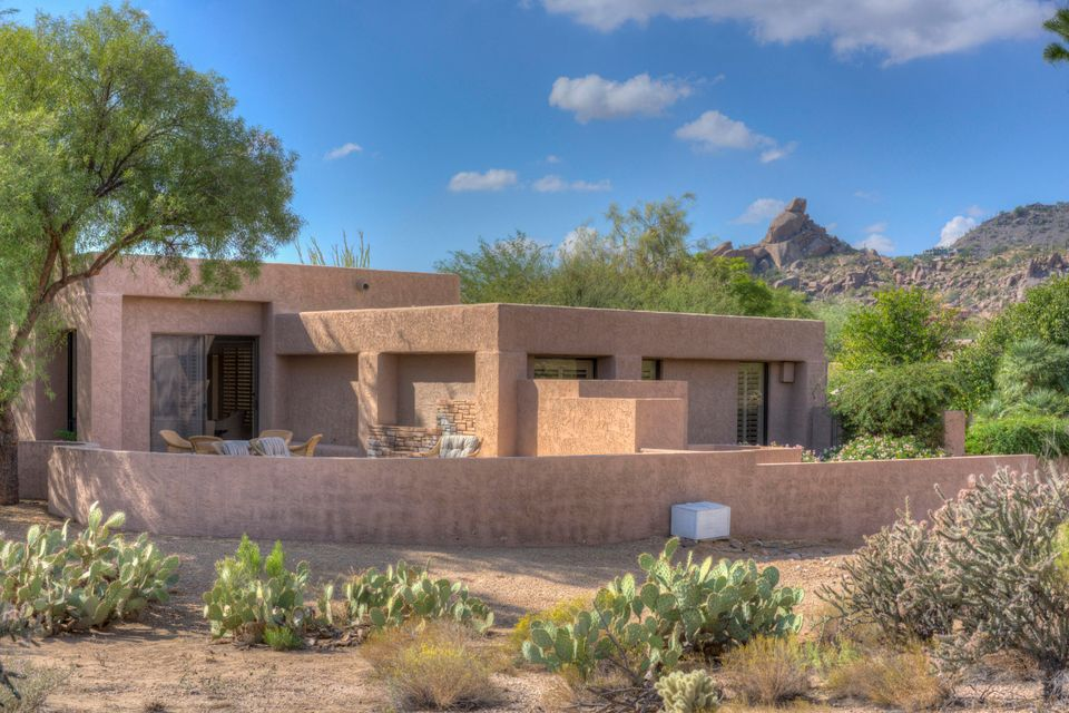 Photo of 2040 E Smoketree Drive, Carefree, AZ 85377