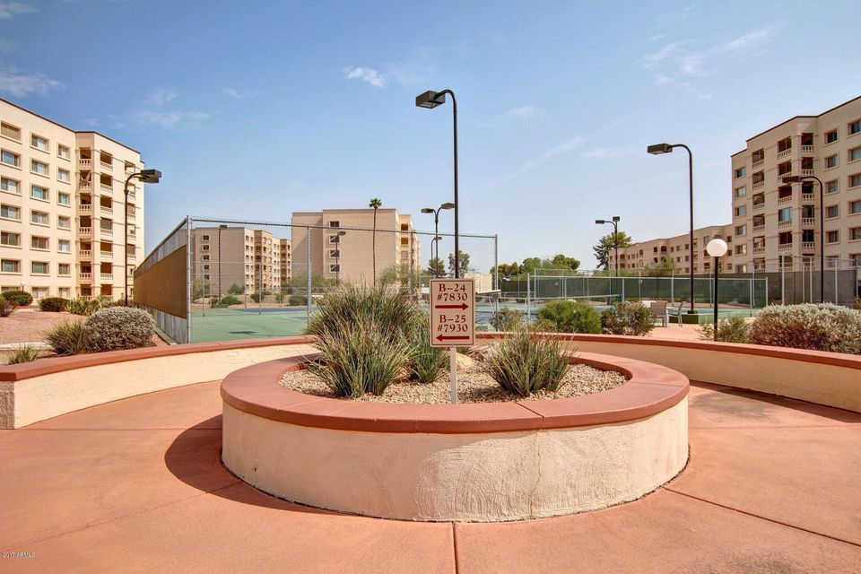 MLS 5684420 7870 E CAMELBACK Road Unit 203 Building 30, Scottsdale, AZ 85251 Scottsdale AZ High Rise