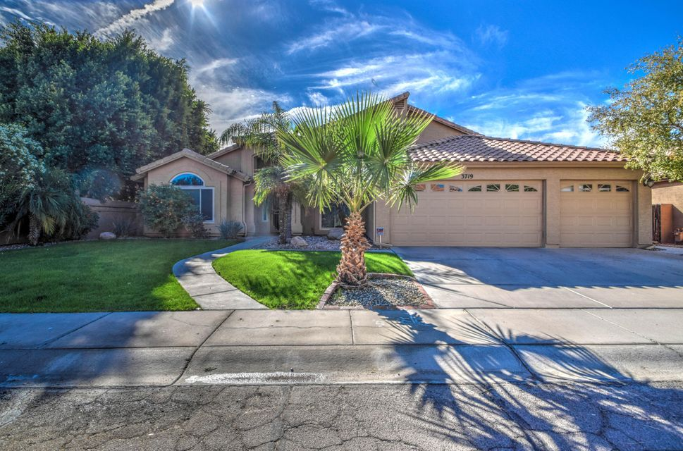 Photo of 3719 E SALTSAGE Drive, Phoenix, AZ 85048
