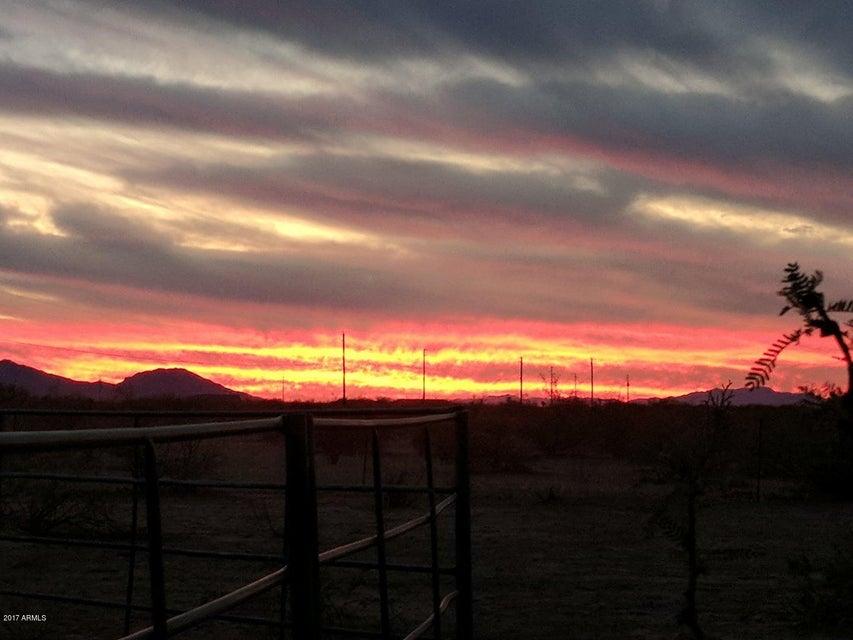 MLS 5686380 46104 W ABBOTT Road, Wickenburg, AZ Wickenburg AZ Equestrian