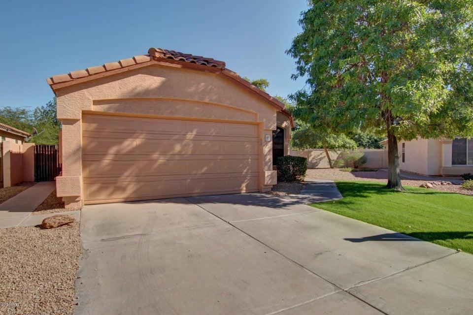 Photo of 2321 S Karen Drive, Chandler, AZ 85286