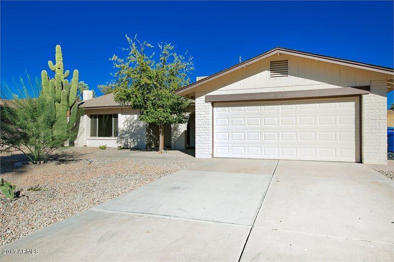 Photo of 806 E DRAKE Drive, Tempe, AZ 85283