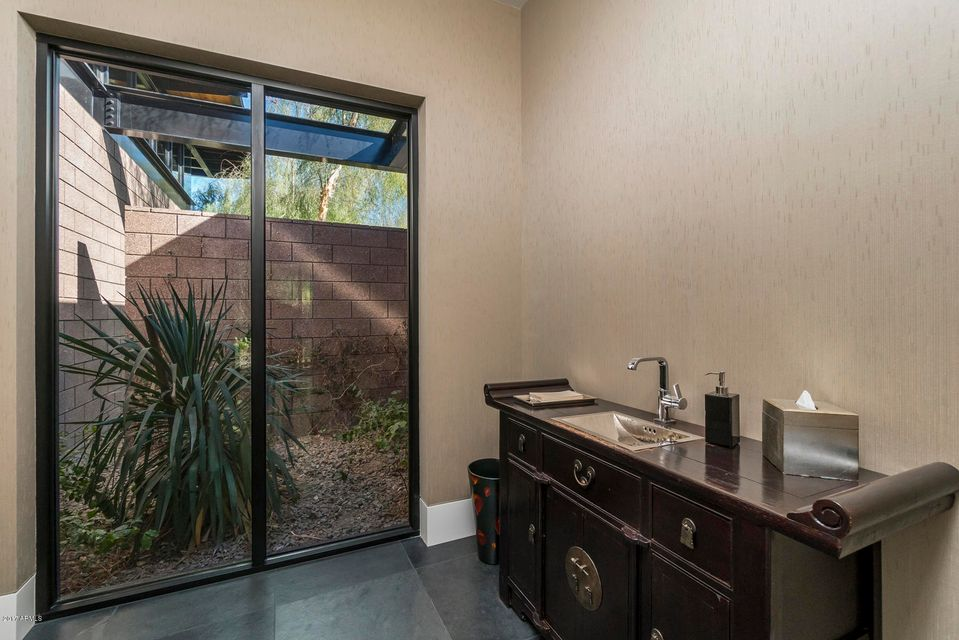 Additional photo for property listing at 5800 N 39th Street 5800 N 39th Street Paradise Valley, Arizona,85253 United States