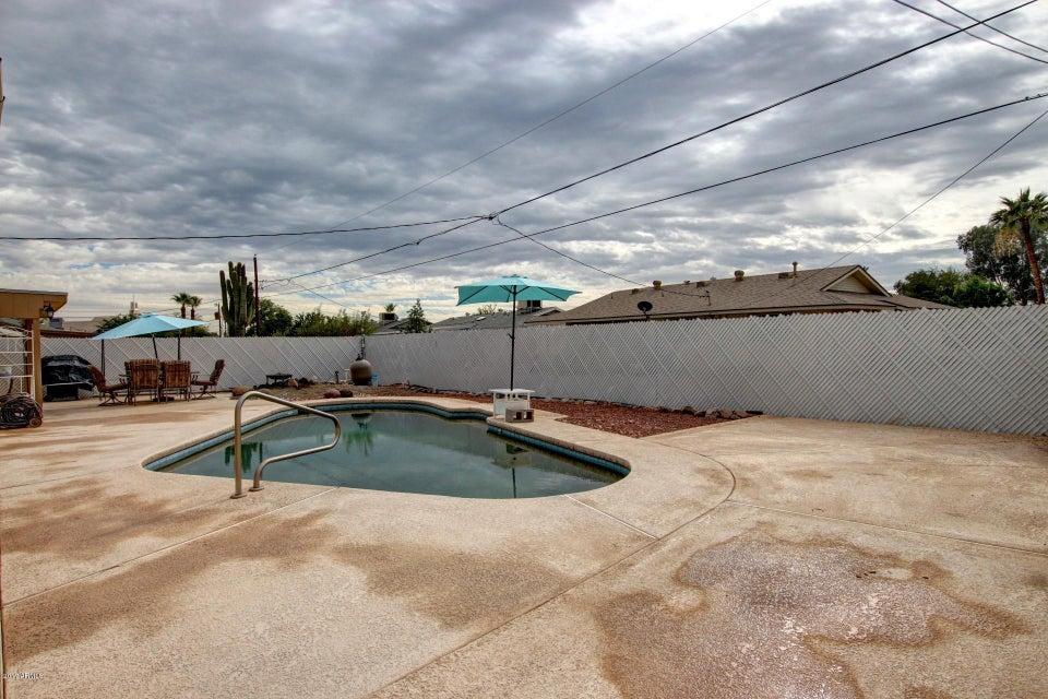MLS 5690015 10801 W SUN CITY Boulevard, Sun City, AZ Sun City AZ Private Pool