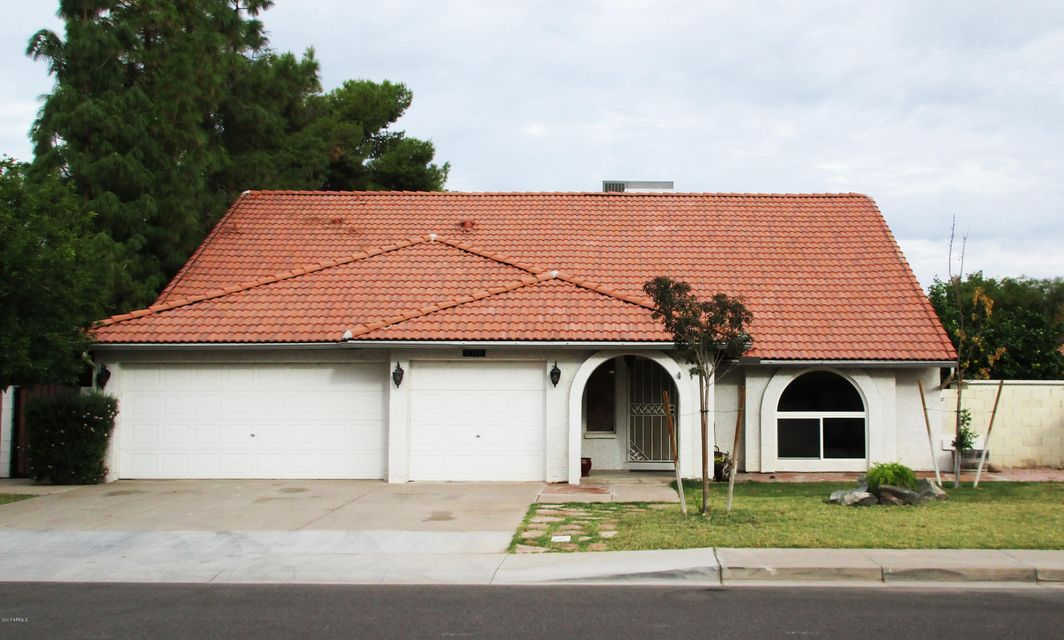 Photo of 2710 W HIGHLAND Street, Chandler, AZ 85224