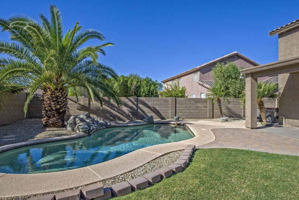 Photo of 8647 W MELINDA Lane, Peoria, AZ 85382