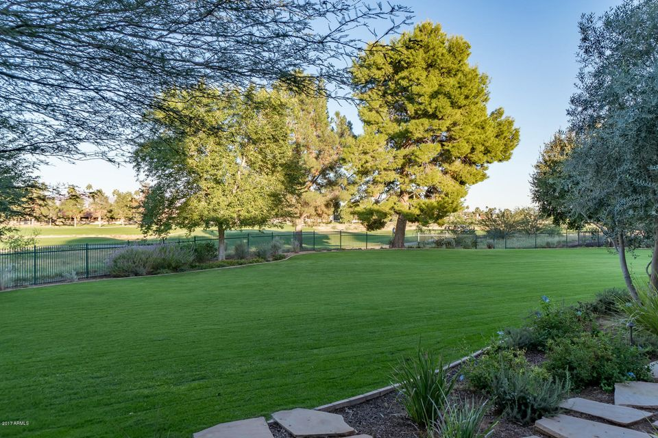 Additional photo for property listing at 8631 N 61st Place 8631 N 61st Place Paradise Valley, Arizona,85253 United States
