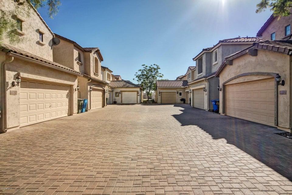 MLS 5691402 1933 W DAVIS Road, Phoenix, AZ 85023 Phoenix AZ Short Sale